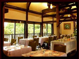 古民家レストラン・店内。